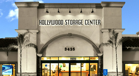 Charmant At Hollywood Storage Center In Newbury Park